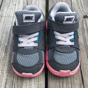Kids 8c Nike sneakers